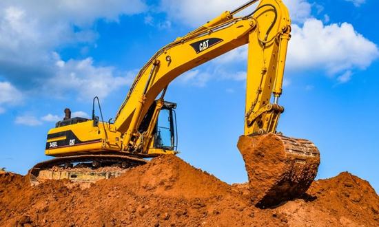 Mistakes To Avoid While Opting For An Excavator Machine Hire